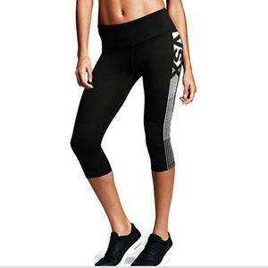VSX Victoria's Secret Knockout Crop Capri Leggings